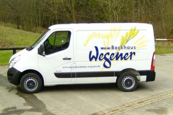 fahrzeugbeschriftung-baeckerei-wegener-00-h600928AE2DF-BCAA-3369-1216-B951591DFB68.jpg