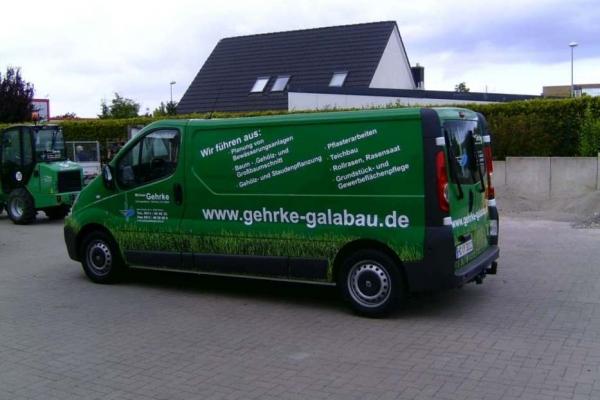 fahrzeugbeschriftung-gartenbau-gehrke-renault-05-h700D8109DED-5061-CB14-1432-3821519D0D63.jpg