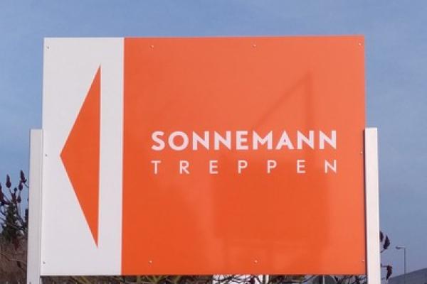 werbeschilder-sonnemann02F2A19D72-8FC6-0360-B848-7508CB9EF160.jpg