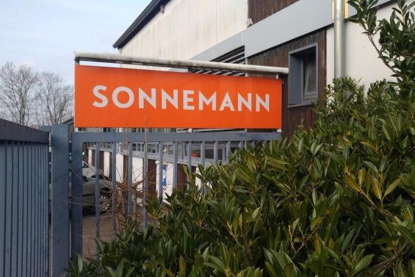 werbeschilder-sonnemann03DC948B40-A032-B2B3-5F53-C1F0DD14C57C.jpg
