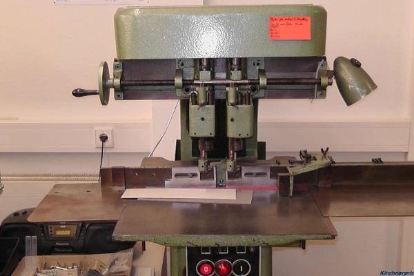 weiterverarbeitung-papierbohrmaschine-abheftlochung-h80056A48D59-4977-9188-C9FF-2B12860E2B74.jpg