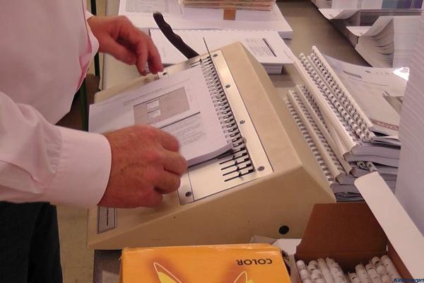 digitaldruck-spiralbindung-01-h85075C09AF8-AA63-A664-8E63-460EABFF76B8.jpg