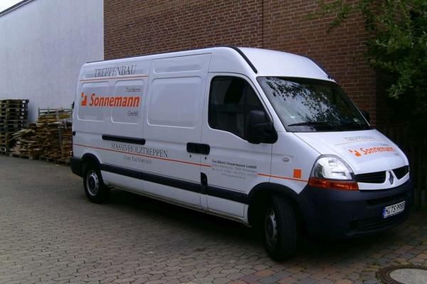 fahrzeugbeschriftung-tischlerei-sonnemann-transporter-01-h8503D21F067-6590-0719-C7D4-91C603AE55A7.jpg